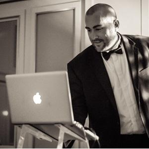 DJ Six - Singender DJ