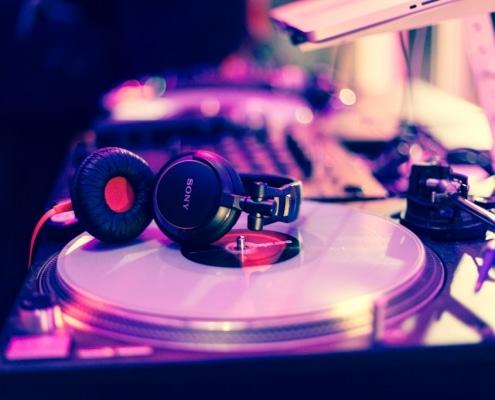 Als Profi Hochzeits DJ nur mit erstklassiger Technik unterwegs.